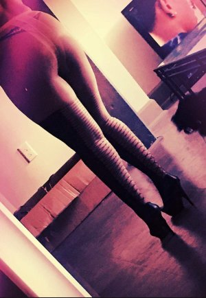 Gastone escort girls in Leavenworth Kansas