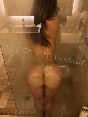 Shana escorts in Milton
